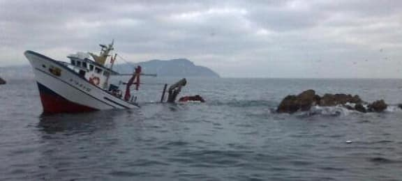 Un pesquer s'enfonsa Illes Formigues