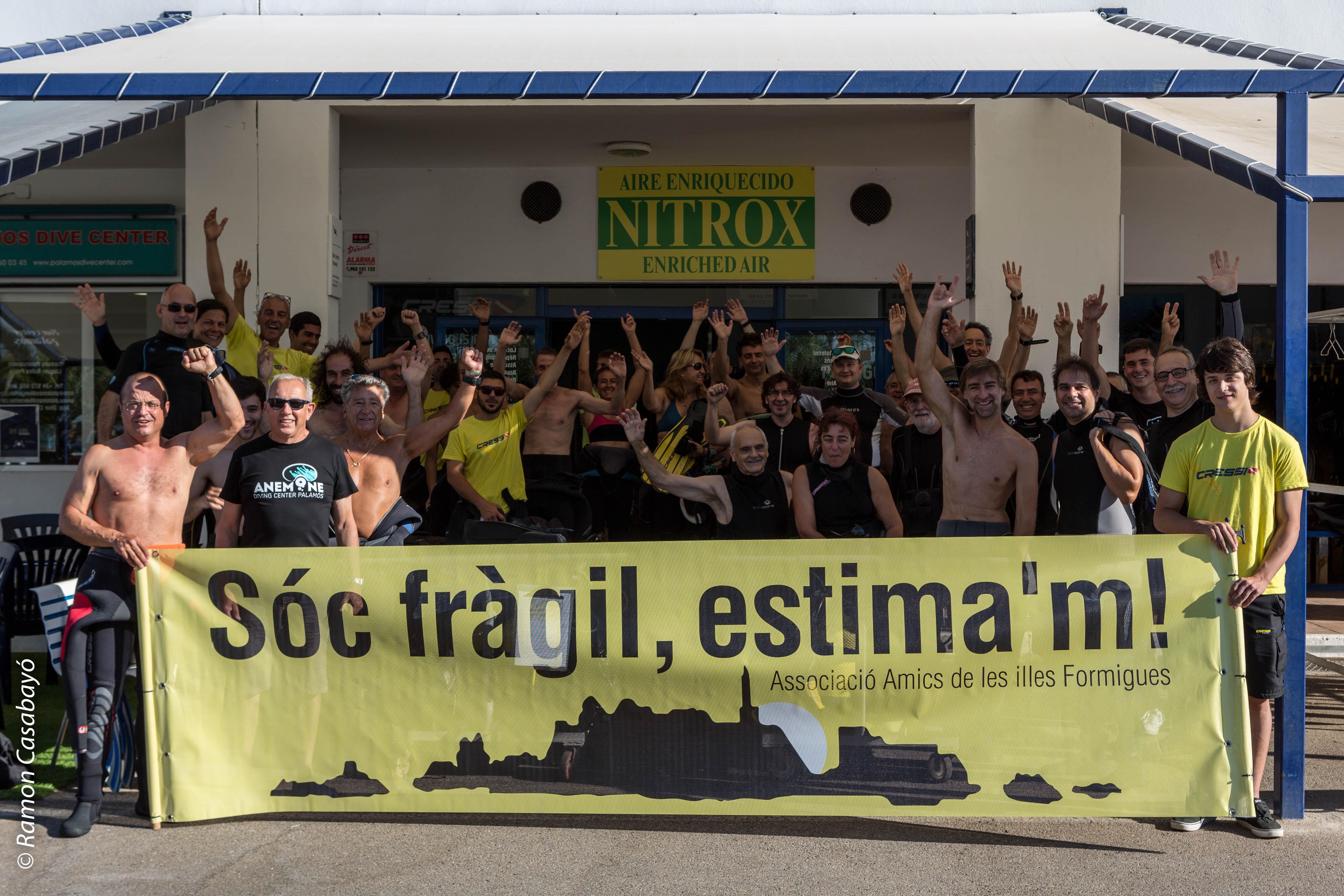 Manifestació submarina en defensa de l'entorn de les illes Formigues